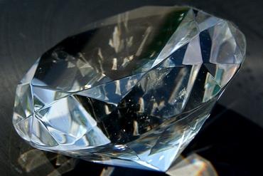 2014年ミャンマーの宝石市場規模は30億USドルへ