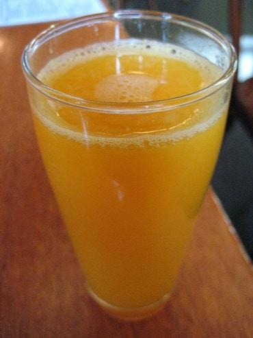 タイのサームスック社が自社で運営・販売してきた炭酸飲料「est」をThai Beverage へ売却
