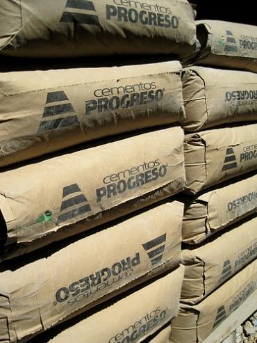 サイアム・セメント・グループが2014年度増収減益の業績を発表