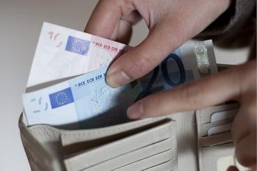 タイの中央銀行の金利引き下げ