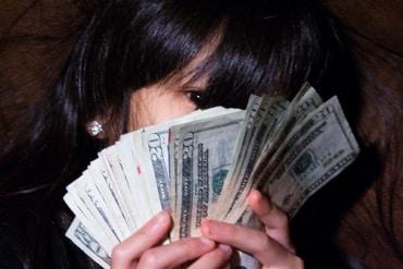 タイのカシコーン銀行とサイアム商業銀行では貸出金利の引き下げを決定