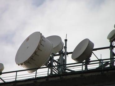 タイの携帯電話キャリア1位のアドバンスドインフォと第2位のトータルアクセス・コミュニケーションが共同で通信塔を共有