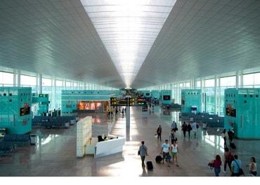 タイの国際空港を管理するエアポートオブタイランド、35バーツの施設料金設定などの実施を2015年12月から実施すると予測