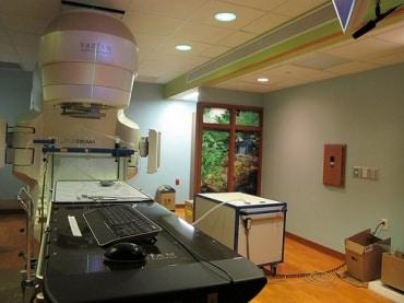 タイの商業用地不動産開発から医療施設向けの開発へのシフト