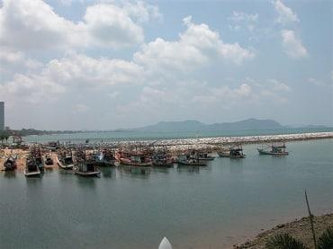 パタヤ地区の2016年現状は中国人観光客であふれかえる