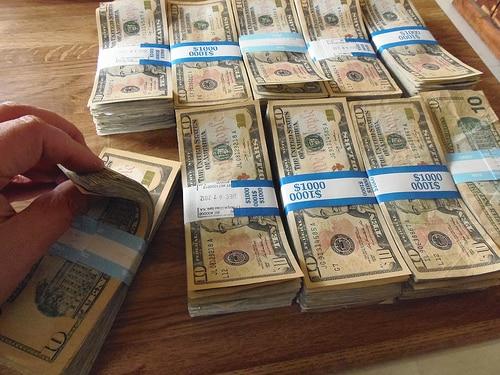 ミャンマーのカンボーザ銀行がタイ進出を発表