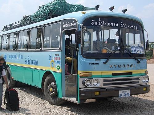 タイとベトナムをつなぐバスサービスに関して