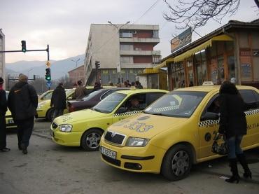 ベトナムタクシー業界の動き、マイリン・タクシーとビナサンタクシー
