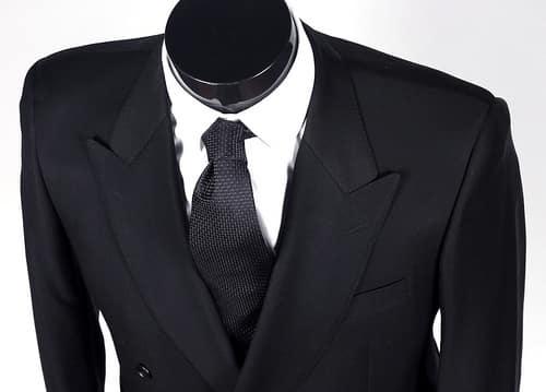 タイで衣料製造のタヌラックス社はタケオキクチブランドへ出資を決定