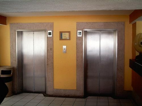 タイのエレベーター市場に関して、市場規模はおよそ120億バーツ規模