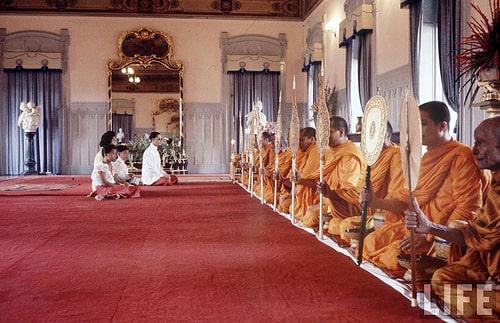 タイの新国王にワチラロンコン皇太子が即位