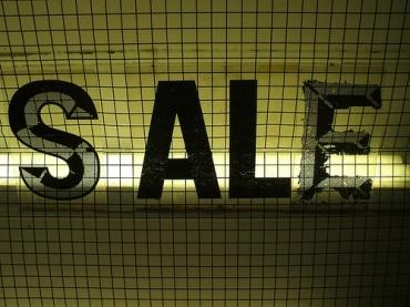大型デパートを運営するロビンソンデパートとICCが特別セールを実施