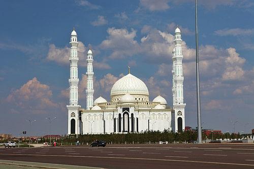 カザフスタンはタイの投資を誘致したい考え