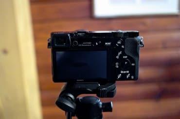 タイの上場企業、ビッグカメラ代表と役員がインサイダー取引で課徴金