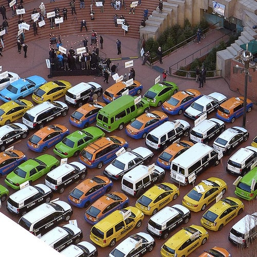 シンガポール最大のタクシー運営、コンフォートデルグロはUberと提携交渉
