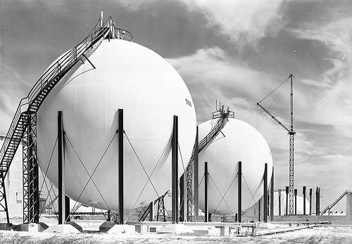 タイ国営石油傘下のIRPCは石油化学製品関連企業の資産取得を検討