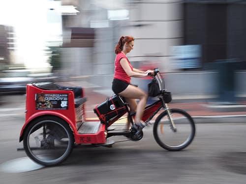 インドネシア国内バイクタクシー呼び寄せアプリのゴジェックがLINEと提携