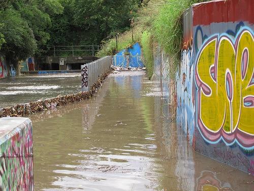 タイ南部で大雨洪水被害が拡大し、およそ110万人が被災