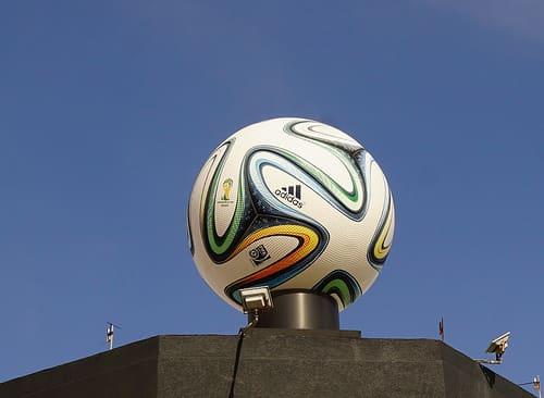 2018年ロシア開催のサッカー・ワールドカップのタイ放映権は7社が共同獲得予定