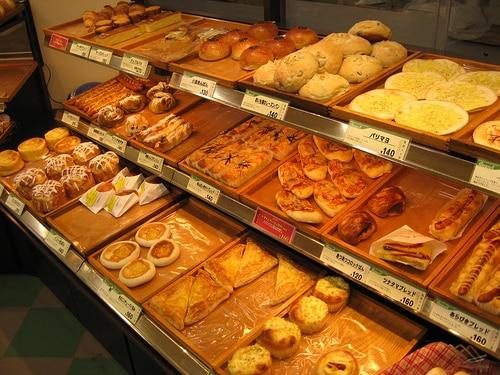 製パン・飲食大手のブレッドトークは減収でも大幅増益