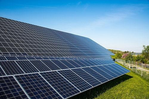 タイ不動産、サンシリは太陽光発電パネル設置で電気代を-15%下げる計画【タイ:不動産】