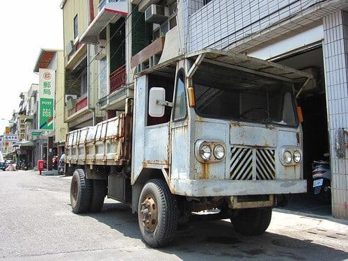 タイ東部経済回廊(EEC)地域にダイムラーが4.5億バーツを投資【タイ:自動車】