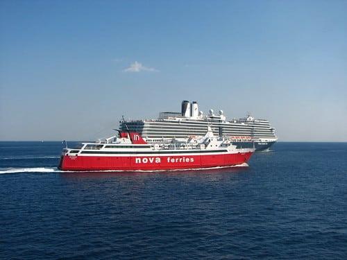 チャオプラヤー川でカタマラン船運航による観光促進【タイ:観光・インフラ】