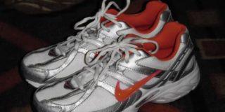 クラークス(英国靴ブランド)はインドネシア撤退発表後に復活【インドネシア:ファッション・アパレル】